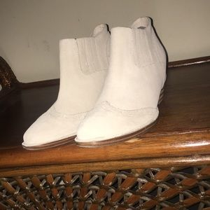 80%20 New 7.5 booties, light cream/beige color